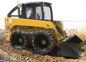 Skid steer loader with tracks